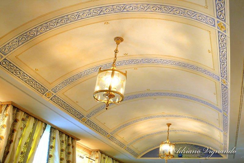 Soffitti A Volta Decorazioni : Decorazioni e recupero di decorazioni decorazione di un soffitto
